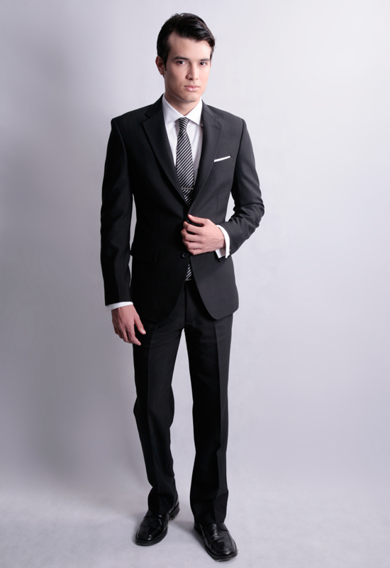 Custom suits for men at Indochino: